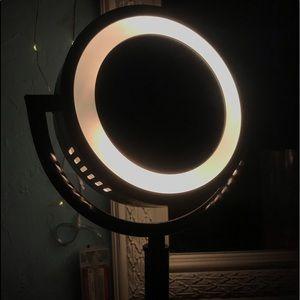 Vanity light mirror